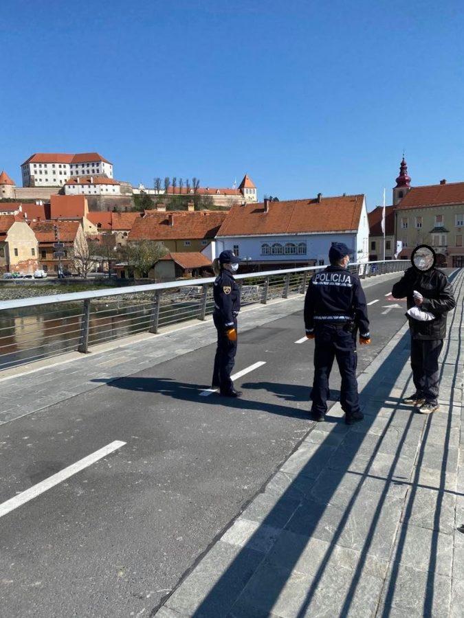 Policija na Ptuju opozarjala na spoštovanje odloka oidočih