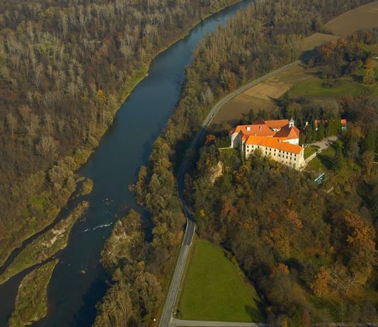 Obnova gradu Borl