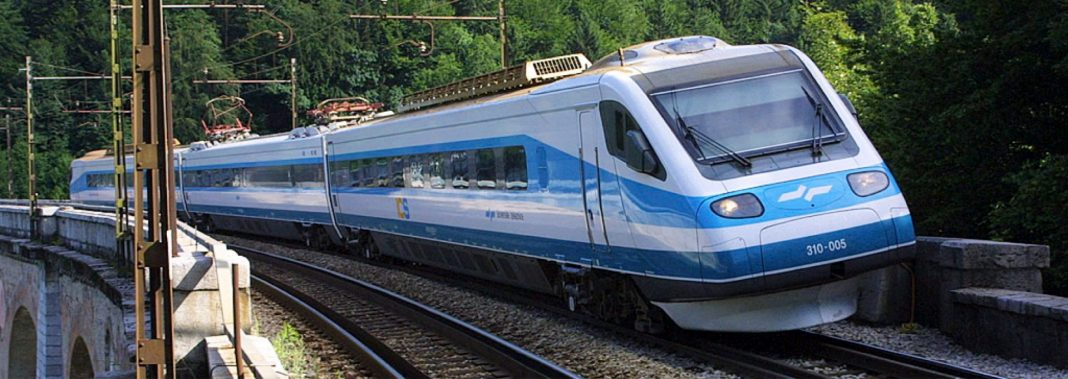 Vožnja z vlakom med COVID-19